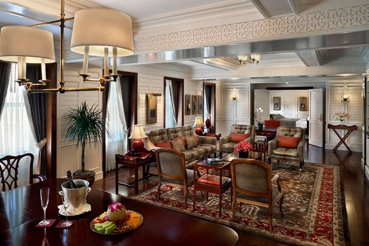 Hotel Plaza Athenee New York: Thai Suite Living Room