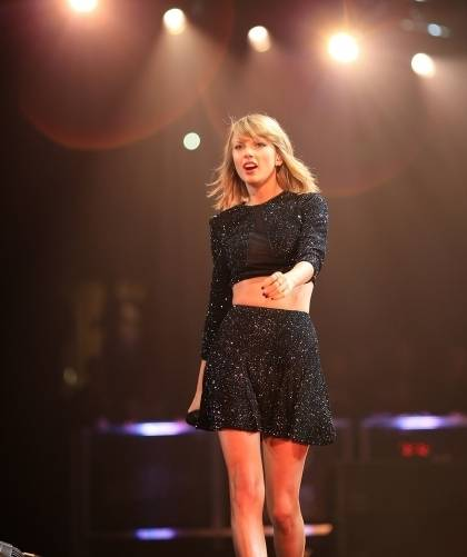 Taylor Swift performs onstage during KIIS FM's Jingle Ball 2014 powered by LINE at Staples Center on December 5, 2014 in Los Angeles, California