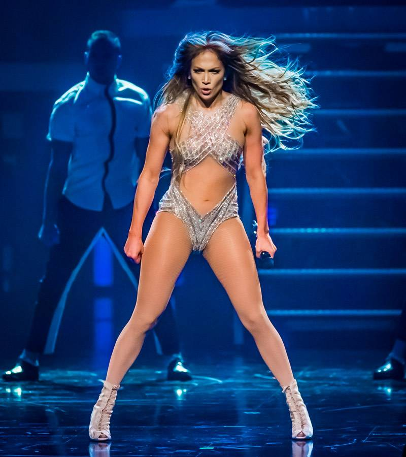 Jennifer Lopez Throws a One-Night-Only Show in Las Vegas