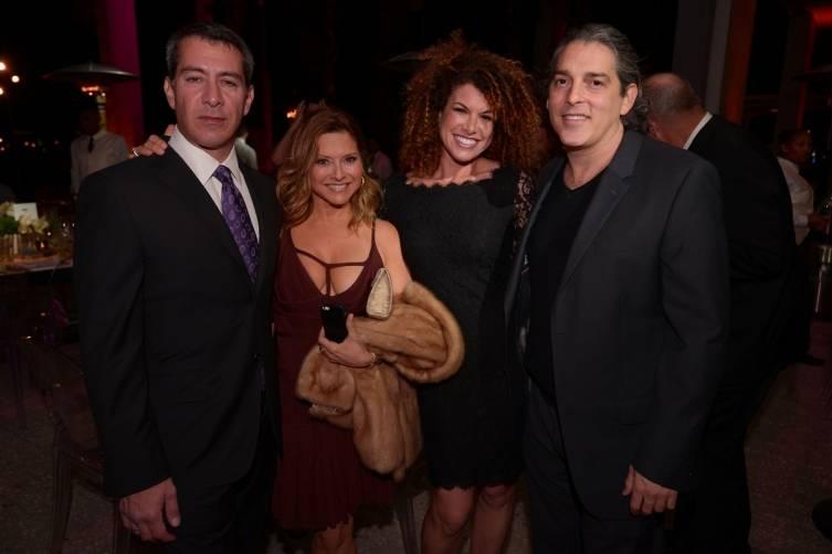 Cyrus Ghassemi, Ingrid Hoffmann, Barclay Gang, & Alan Roth - World Red Eye