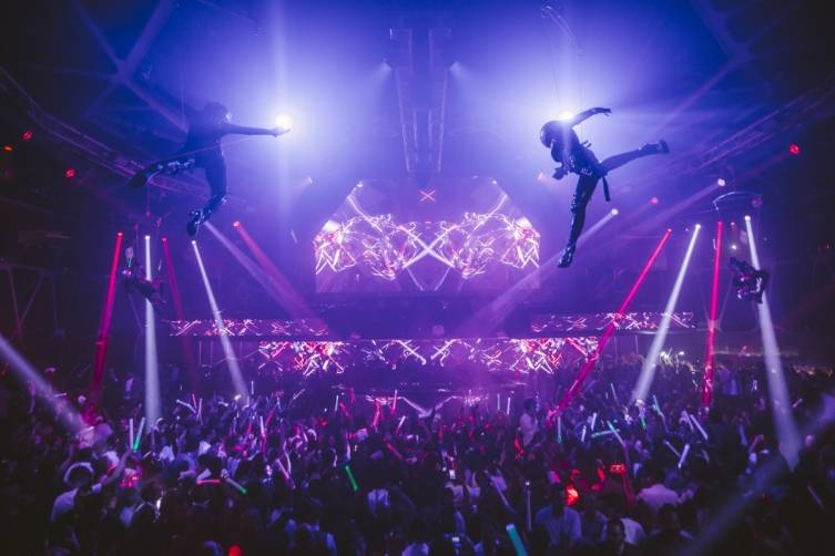 Aerialists_Hakkasan Nightclub_12.31.14