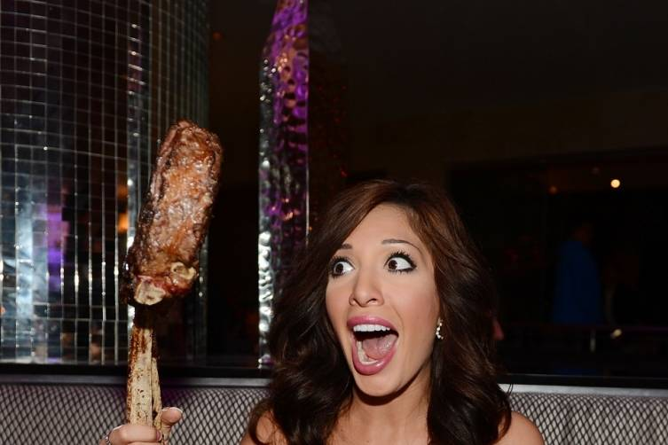 Farrah Abraham Showing off Massive Tomahawk Steak at N9NE Steakhouse