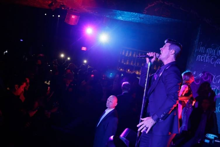 Foxtail_NYE_2015_Robin Thicke (3)