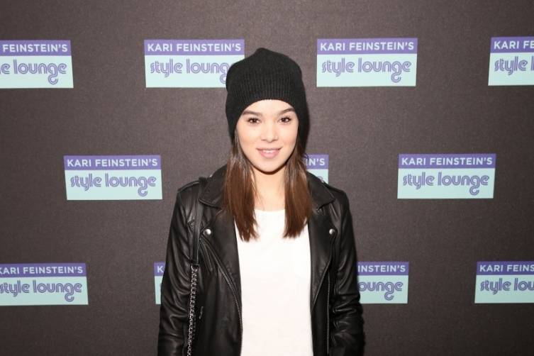 Hailee Steinfeld at the Kari Feinstein Style Lounge