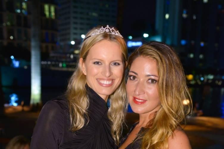 Karolina Kurkova and Sarah Mirmelli