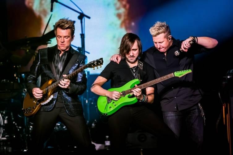 02.25.15_Joe Don Rooney, guitarist and Gary LeVox at The Joint in Hard Rock Hotel & Casino_Erik Kabik, Erik Kabik Photography