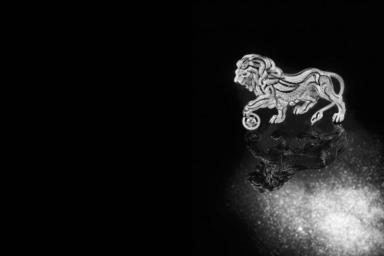 13_Lion-Celeste-Brooch02