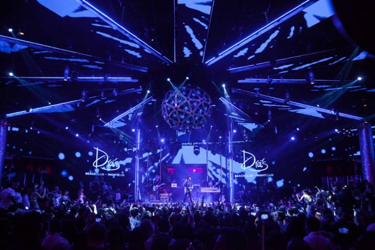 The Weeknd performs at Drai's.