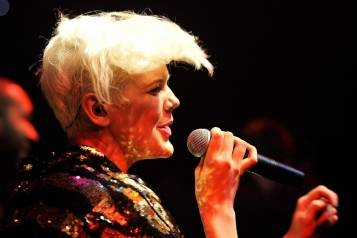 Betty Who – LAX Nightclub Mardi Gras Masquerade – 2.19.15