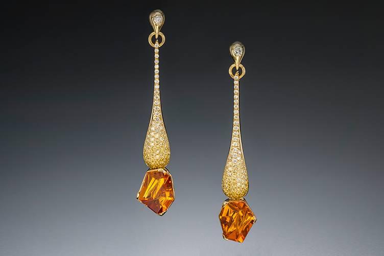 Dripping diamonds earrings
