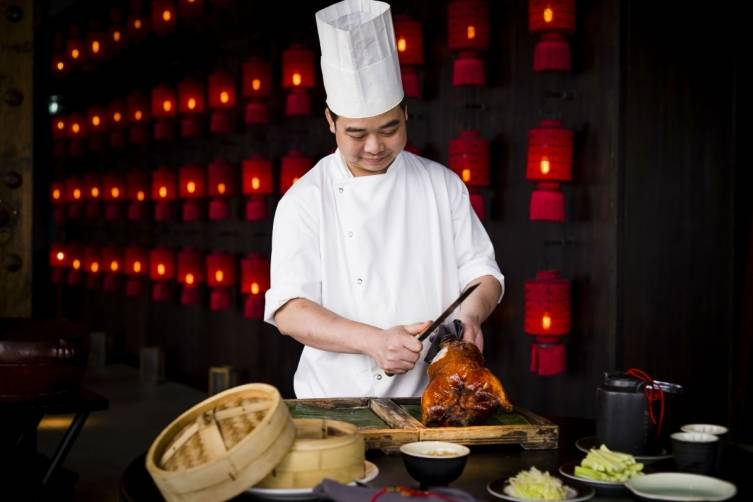 HT24F Peking Duck with chef small