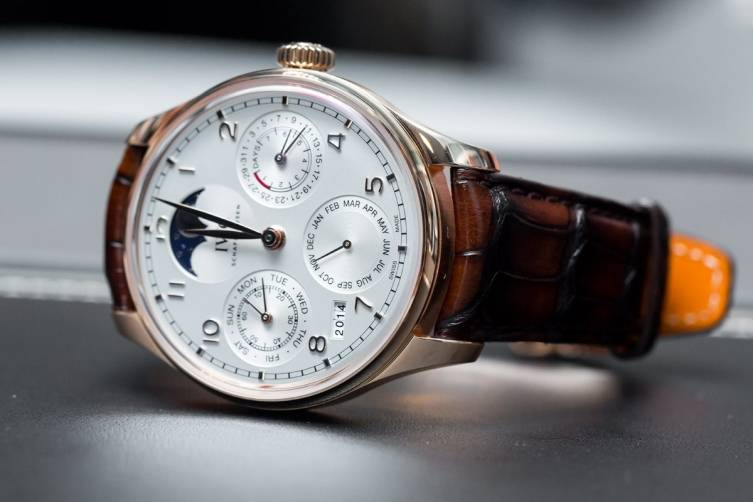 IWC-Portugieser-Perpetual-Calendar-Reference-5033-Front.jpg.pagespeed.ce.pnMjqP-CCM