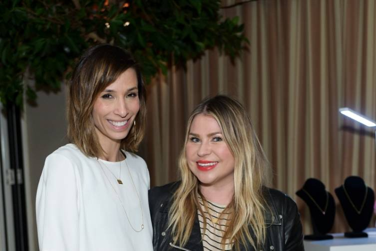 Jessica Alba and Jennifer Meyer design necklaces 3