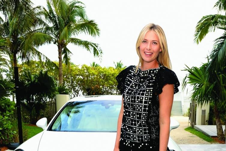 Maria Sharapova with Porsche