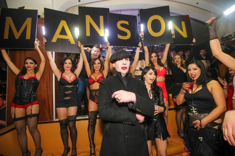 Marilyn Manson is greeted at Hyde Bellagio.