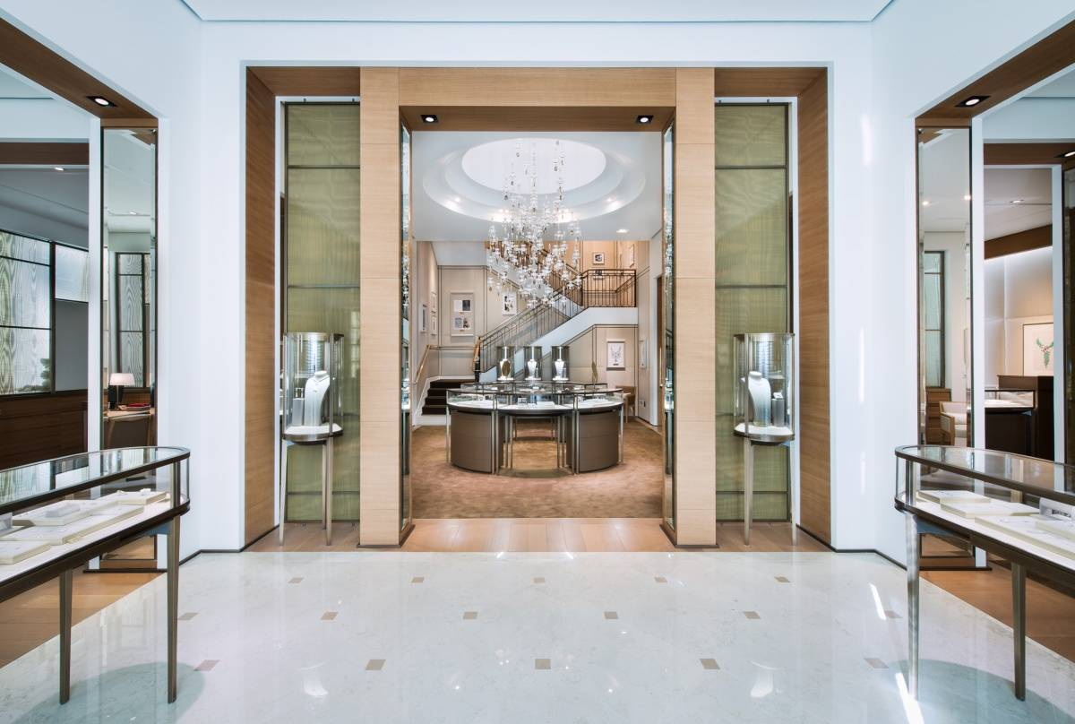 inside cartier 39 s new design district boutique with ceo mercedes abramo. Black Bedroom Furniture Sets. Home Design Ideas