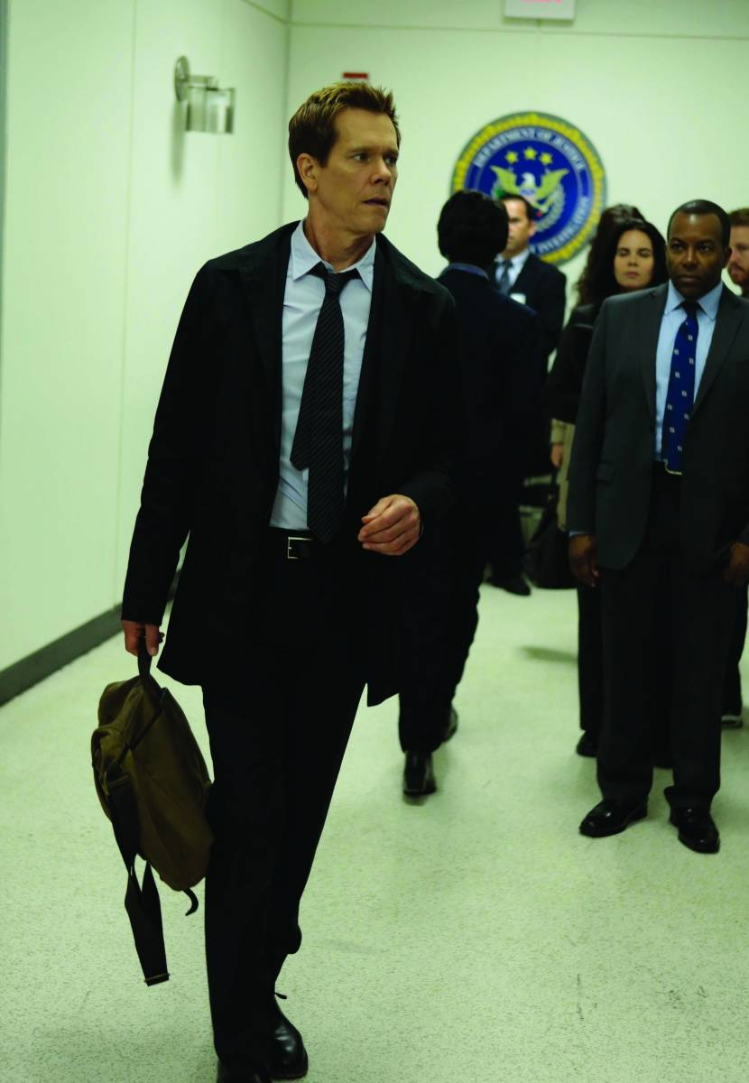 Kevin Bacon in suit