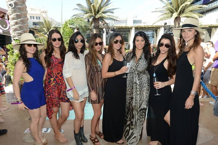 Kourtney Kardashian and friends_Marquee Dayclub