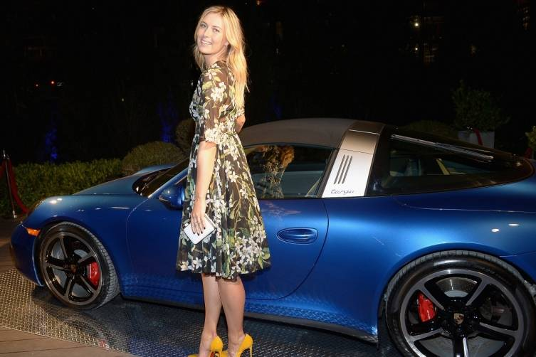 Maria Sharapova with Targa top Porsche