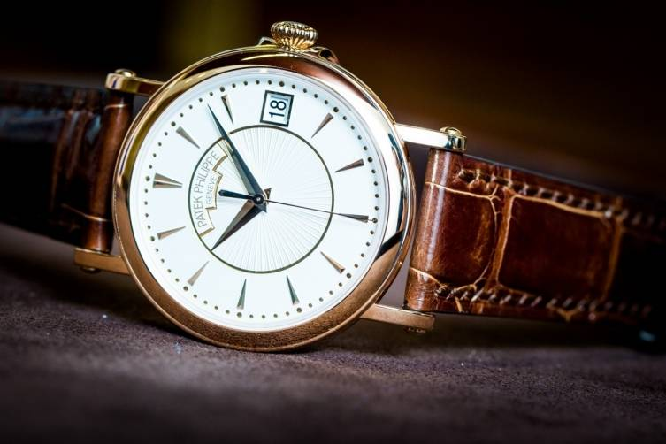 Patek-Philippe-Calatrava-5153R-001-Watch-Baselworld-2015-Front