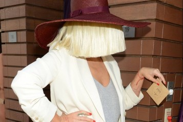Sia Leaked Her Own Nude Photos To Get Back At Paparazzi