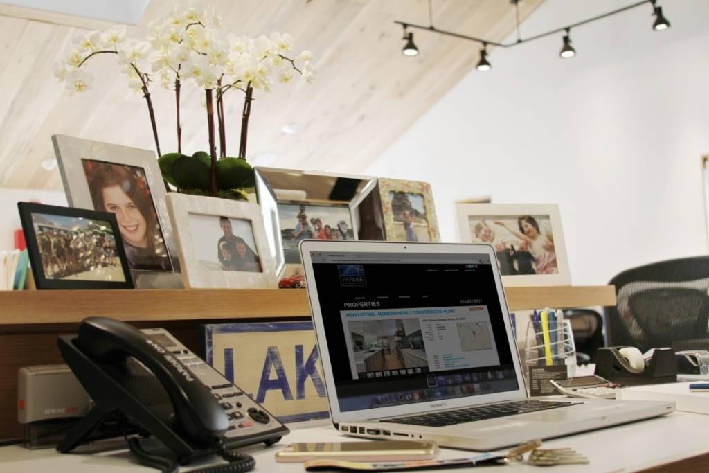 Tami's desk