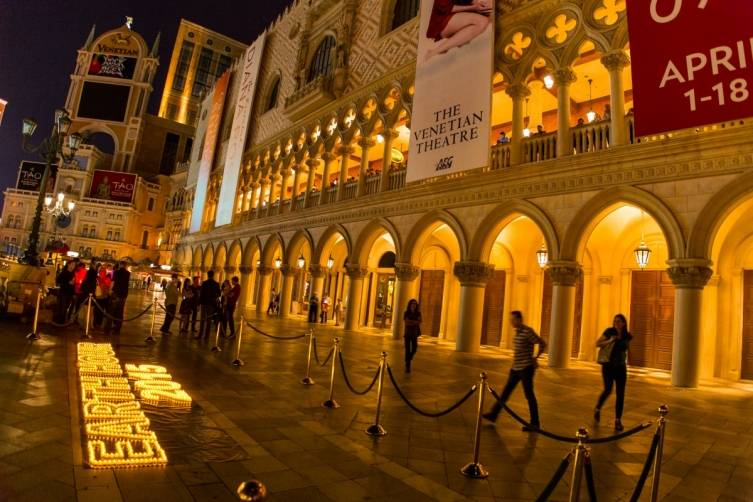 The Venetian and Palazzo non-essential lights and marquees go dark for Earth Hour