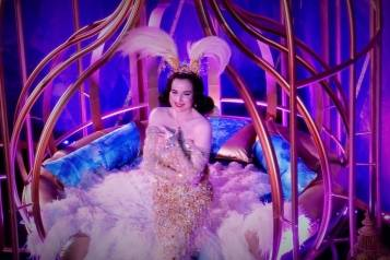 dita von teese performs a w san francisco_credit kelly e carter (2)