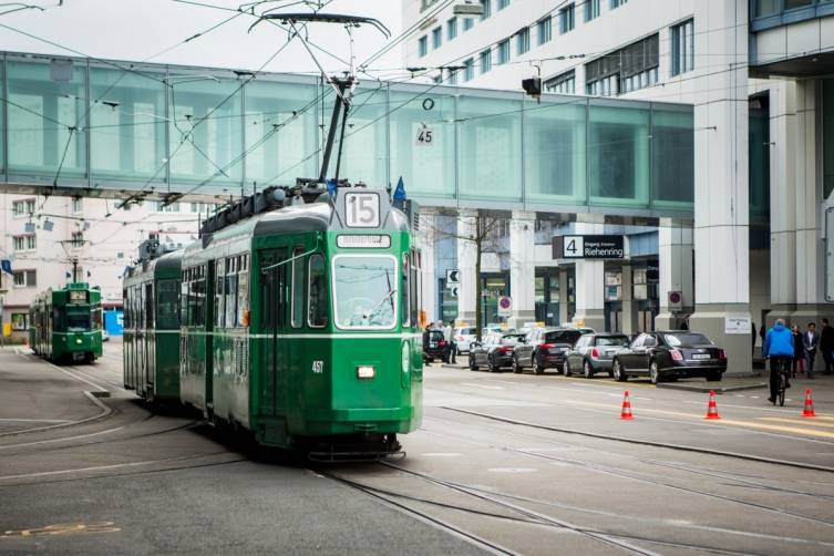 wpid-Baselworld-2015-tram-line-15-basel.jpg
