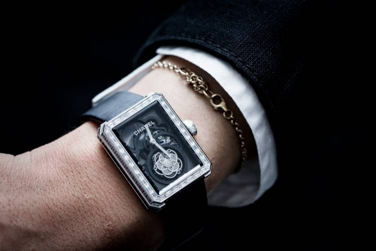 wpid-Chanel-Premie-re-Flying-Tourbillon-Openwork-Watch-Baselworld-2015-Wrist.jpg
