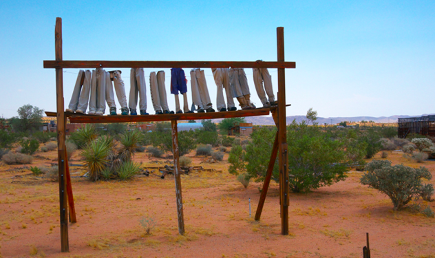 632x375xnoah-purifoy-lacma.png.pagespeed.ic.hnxAWNEOLR