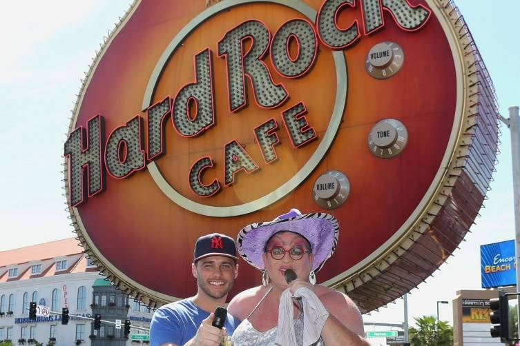 Host Josh Strickland poses with Brunch Leading Lady, Kitty Litter - Credit  Ira Kuzma