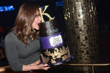 Katharine McPhee_Birthday Cake 2_OMNIA Nightclub