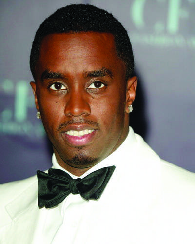 Sean P. Diddy Combs arriving to the 2004 CFDA Awards at the New York Public Library in New York City on June 7, 2004. Manhattan, New York Photo © Matt Baron/BEImages