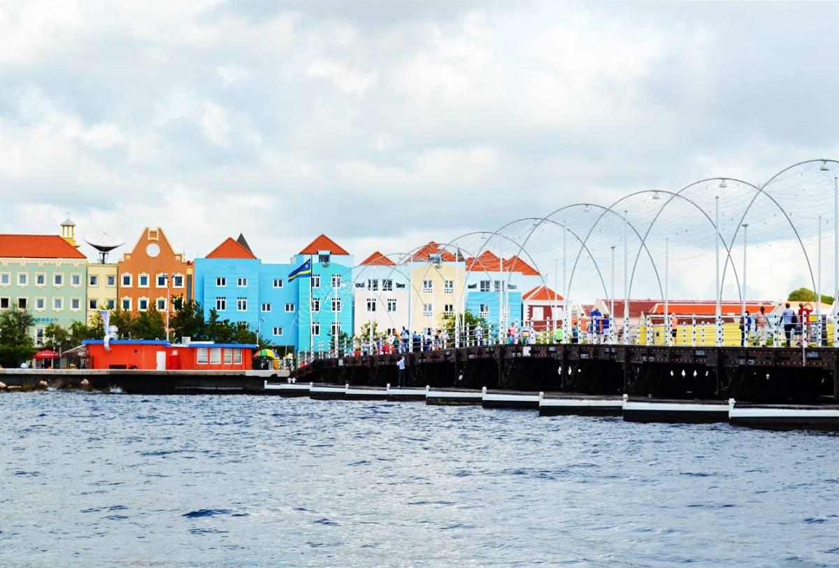 Sint Anna Bay Curacao –K. Tablang