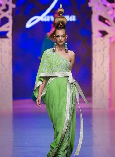 Designer Zareena wowed the crowds at Fashion Forward 2015.