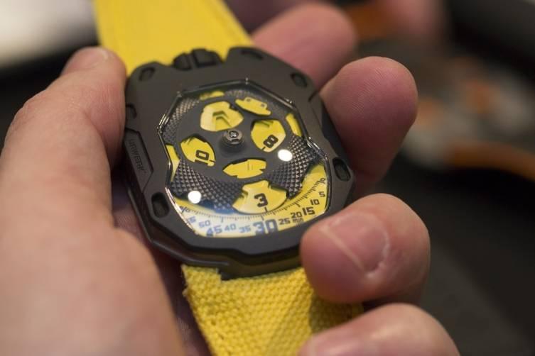 wpid-Urwerk-UR-105-TA-Black-Lemon-Watch-2015-Hands-On.jpg