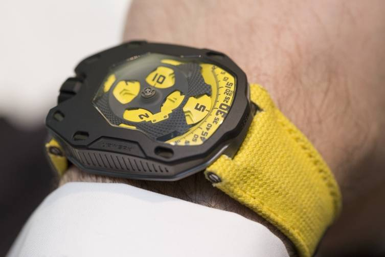 wpid-Urwerk-UR-105-TA-Black-Lemon-Watch-2015-Wrist-2.jpg