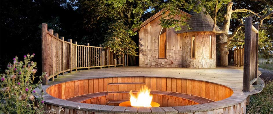 The Nook Tree House includes a jacuzzi.