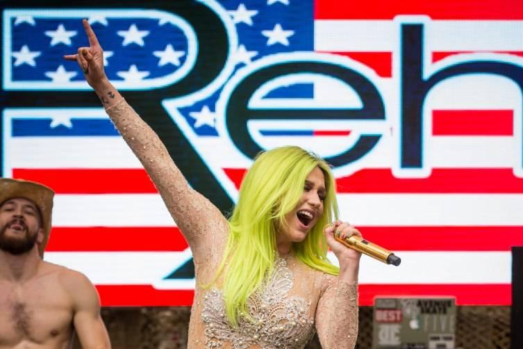 05.23.15_Kesha at REHAB_Photo Credit Erik Kabik (3)