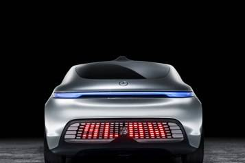 07-Mercedes-Benz-F-015-Luxury-in-Motion-660×602