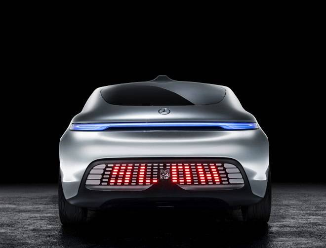 07-Mercedes-Benz-F-015-Luxury-in-Motion-660x602