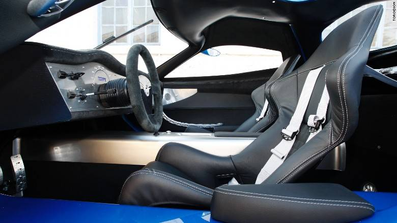 150422140532-toroidion-1mw-car-interior-780x439