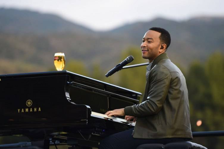 John Legend sets the mood for a summer of sophisticated hosting with an intimate, musical performance at the Stella Artois Host Beautifully launch event