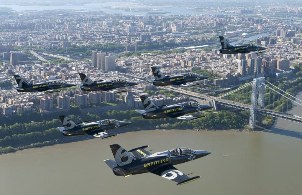 Breitling Jet Team Flies  Over Manahattan Skyline.