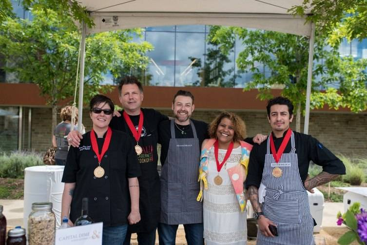People's Choice 1st Pl: The winning team from Capital Dime - Chef Chris Jorosz, Chef Andrea Reiter from Capital Dime & members from their selected charity Food Literacy Center