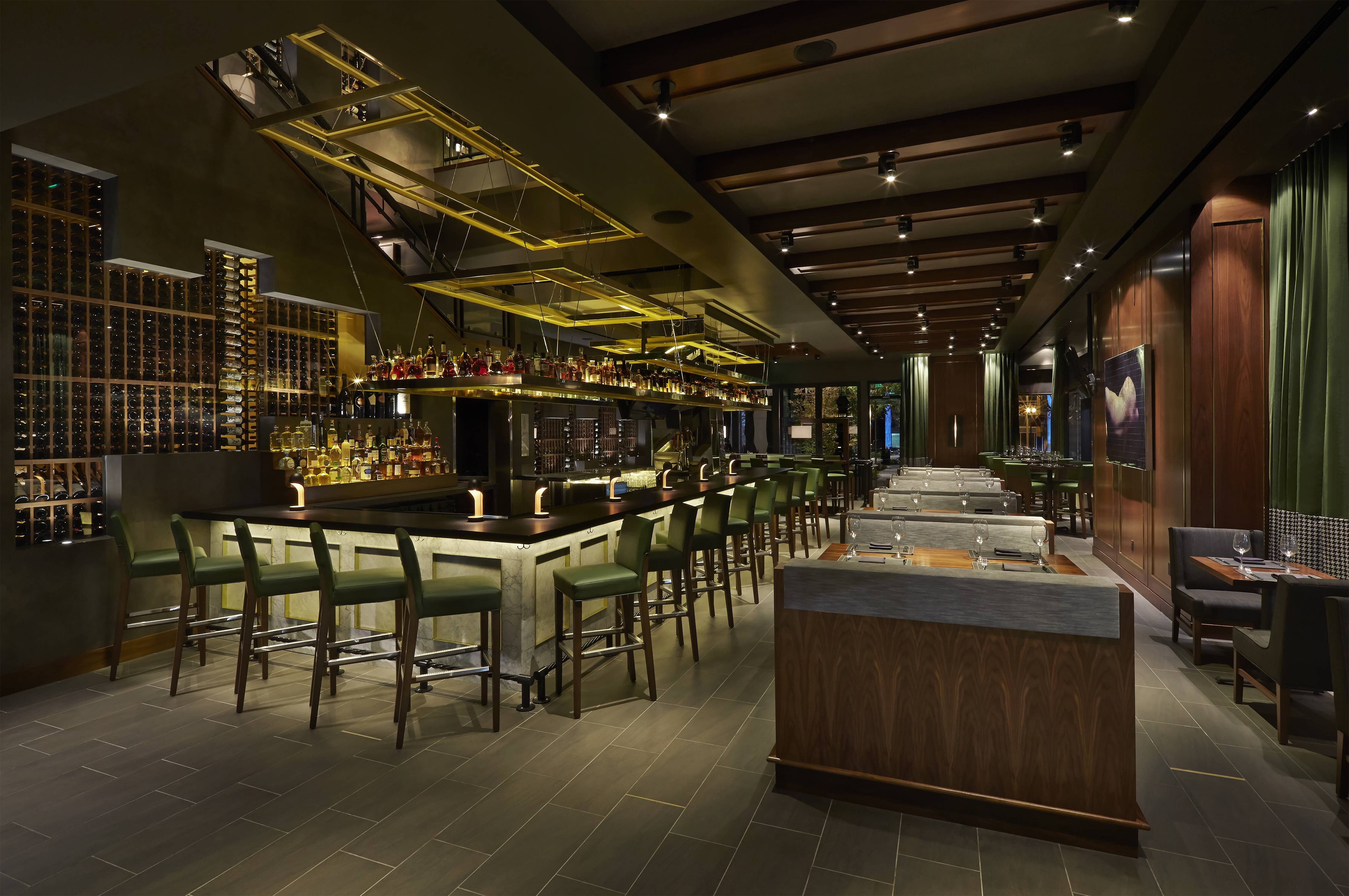 Del Frisco S Double Eagle Steak House Interior Bar And Dining Area
