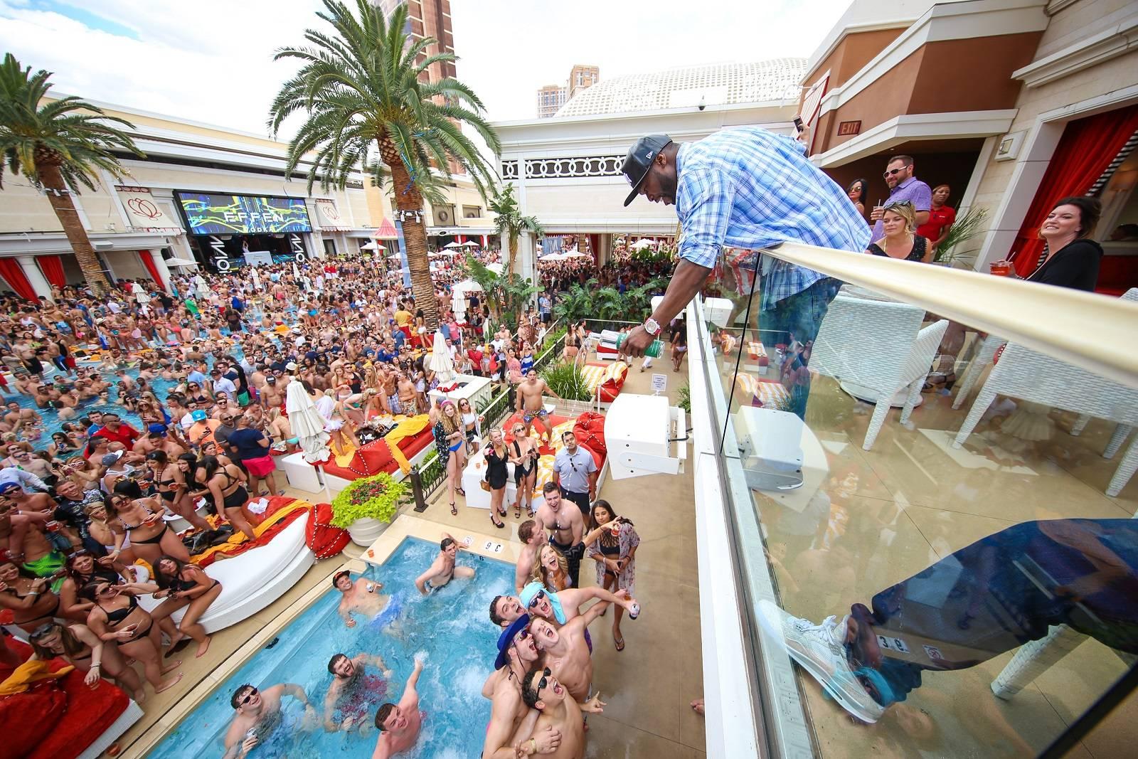 50 Cent Promotes Effen Vodka At Encore Beach Club