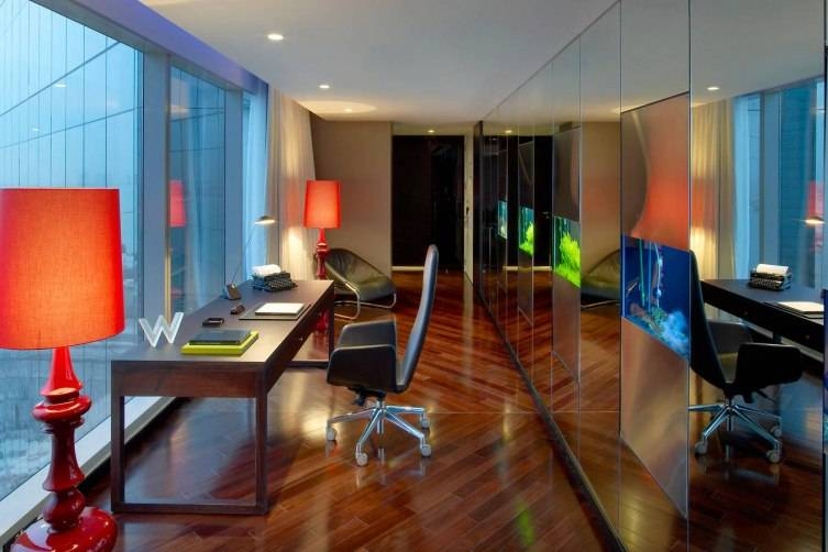 W Doha Hotel & Residences: Extreme Wow Suite Office