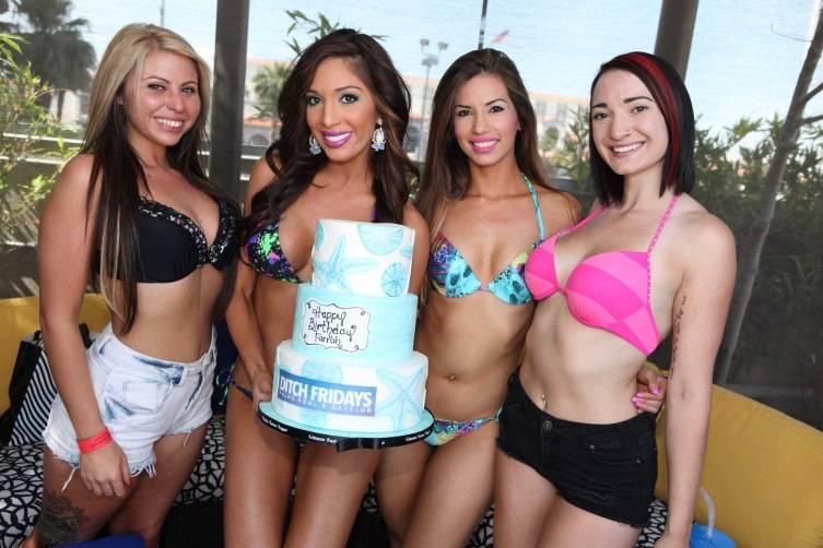Farrah Abraham and friends enjoy Ditch Fridays birthday